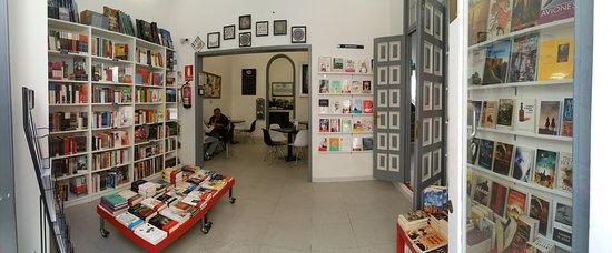 Librería Café Libro en Blanco en SANTA Cruz de Tenerife